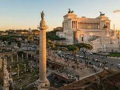 Colonna Traiana, monumento innalzato a Roma nel II secolo per celebrare la conquista della Dacia da parte dell'imperatore Traiano, marmo, 17 metri. Ha un fregio continuo di 200 metri che si arrotolano intorno al fusto per 23 volte.