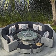Moda furniture Curved rattan sofa with firepit table and stools Outdoor Living Space, Outdoor Garden Furniture, Home Building Design, Outdoor Decor, Gas Firepit, Gas Fire Pit Table, Modern Outdoor Furniture, Rattan Garden Furniture, Corner Sofa Modern