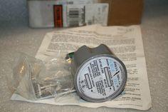 JOSLYN SURGE TEC CAT NO. Z-650 48-62HZ SECONDARY SURGE ARRESTER #JOSLYN