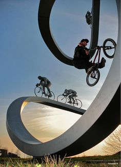 Tour de France Bike Sculpture, Pau, France. Photo by Bilboa foto/Nicolas Fernandez, via Flickr