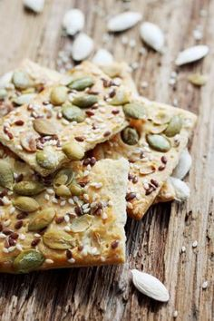 Knækbrød or Danish crackers with seeds Healthy Crackers, Healthy Snacks, Tapas, Vegetarian Recipes, Healthy Recipes, Good Food, Yummy Food, Vegan Kitchen, Happy Foods