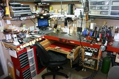workstation set-up. Steve Satow--from a jewelers forum where everyone is showing their bench set up...great place for ideas!