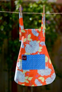 On my Christmas List this year!  Apron with Pocket Orange Floral Organic Cotton by AmuseMeShop