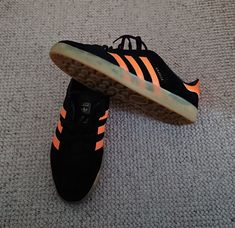 Quick trip out today so I chose my new Gazelle Indoors (Xmas present off the brother-in-law) nice black suede and dayglo orange/// and trim - sweet ☺️