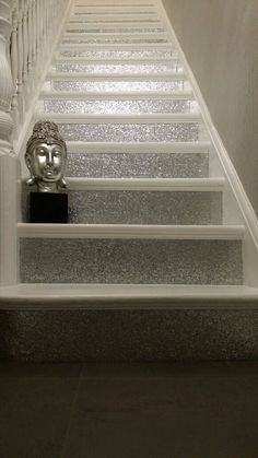Glitter on stairs / white carpet