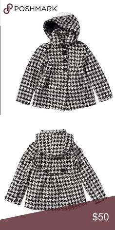 Hooded Houndstooth Peacoat PRODUCT FEATURES Button front Long sleeves Removable hood Houndstooth pattern 2-pocket  FABRIC & CARE Polyester, viscose, spandex Machine wash Imported  Exact Size per Tag: Large (6X) Excellent Pre-loved Condition Rothschild Jackets & Coats Pea Coats