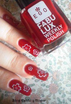 Manicura con rojo de esmaltes fabulux de EGO Profesional.