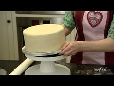 How to marzipan and ice a cake - YouTube