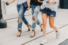 Image from http://www.studded-hearts.com/wp-content/uploads/2014/09/studded-hearts-NYFW-Spring-Summer-2015-shows-streetstyle-ripped-denim.jpg.