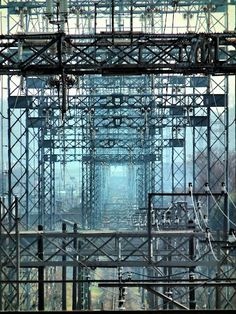 """Gate by high voltage tower 西武多摩川線を覆う門型鉄塔 東京電力車返線 