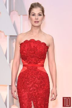 Rosamund-Pike=Oscars-2015-Awards-Red-Carpet-Fashion-Givenchy-Couture-