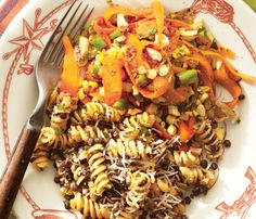 Host a Superfood Lunch: Crispy Lentil Rotini. Lentils are a bona fide belly flattener. Eating them helps prevent insulin spikes that cause your body to create excess fat, especially in the abdominal area. Superfood Recipes, Diet Recipes, Vegetarian Recipes, Cooking Recipes, Healthy Recipes, Easy Recipes, Potato Recipes, Recipies, Healthy Cooking
