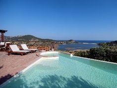 Luxus-Villa, freistehend, in herrlicher Panoramalage mit großer Infinity-Pool