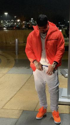 Anuel Aa Wallpaper, Latin Artists, The Big Boss, Babe, Mens Fashion, Fashion Outfits, Cardi B, Baby Daddy, Hypebeast