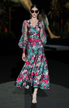 Party Dresses – Spring Summer 2020 Collection – Mujer Y Salud Fashion 2020, Look Fashion, Runway Fashion, Fashion Design, Dress Outfits, Fashion Dresses, Dress Up, Hannibal Laguna, Parisienne Chic