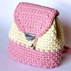Mochila de crochê passo a passo Aprenda como fazer mochila de crochê de forma fácil e rápida. Temos muitos tutoriais em nosso site. Os...