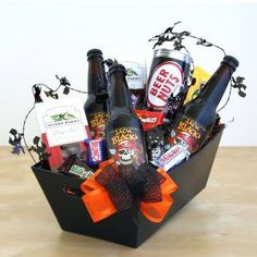 Trick or Treat Root Beer & Snacks Send a sweet and spooky gift this Halloween! This black gift tray is filled with ghoulish goodies, creepy candies, and devilishly delicious root beer to wash it all down. Gift Baskets For Men, Wine Gift Baskets, Basket Gift, Halloween Gift Baskets, Halloween Gifts, Happy Halloween, Tapas, Beer Basket, Halloween Care Packages
