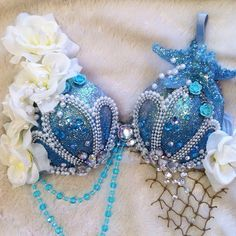 Lovely Ocean Blue Mermaid Bra by TheLoveShackk on Etsy ♡♡♡ Mermaid Top, Mermaid Tails, The Little Mermaid, Dance Costumes, Halloween Costumes, Mermaid Costumes, Woman Costumes, Couple Costumes, Group Costumes