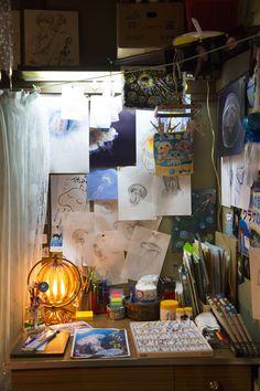 38 New Ideas For Diy Room Decir Kpop Wall Art - Do it yourself My New Room, My Room, Room Ideas Bedroom, Bedroom Decor, Rangement Art, Art Studio Room, Art Desk, Indie Room, Room Goals