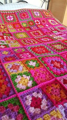 Vibrant Dolly 2 Sublime Large Crochet Granny Squares Blanket