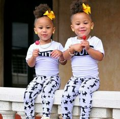 Twins are adorable Twin Girls, Twin Babies, Cute Babies, Baby Kids, Twin Sisters, Beautiful Black Babies, Beautiful Children, Love Twins, Cute Hairstyles For Kids