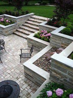 Burr Ridge Sunken Patio and Balcony traditional-patio Retaining wall stone combo look Sloped Backyard, Backyard Patio, Backyard Landscaping, Landscaping Retaining Walls, Garden Paving, Garden Steps, Sunken Patio, Patio Grande, Contemporary Bedroom