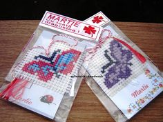 artmonica-handmade: MARTISOARE CUSUTE PE ETAMINA Cross Stitching, Decor Crafts, Spring Time, Projects To Try, Weaving, Textiles, Homemade, Embroidery, Crochet
