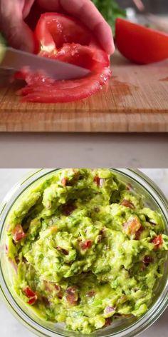 Best Guacamole Recipe, Mexican Guacamole Recipe, Mexican Food Recipes, Mango Guacamole, Mexican Snacks, Vegetarian Mexican, Vegetarian Snacks, Healthy Snacks, Appetizer Recipes