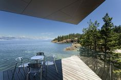 Cliff House Shaped By The Ragged Site And The Stunning Views
