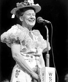 Minnie Pearl at the Grand Ole Opry   http://www.cmt.com/sitewide/assets/img/artists/pearl_minnie/minniepearl03-280x336.jpg