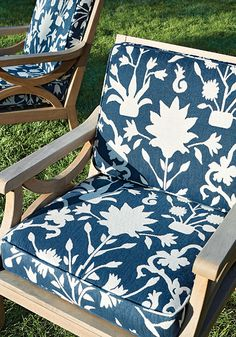 Solana sun lounger fabric from the Portico Collection by Thibaut and Sunbrella, shown in pale aqua with a beautiful floral silhouette on a self-patterned ground. Outdoor Fabric, Outdoor Chairs, Indoor Outdoor, Outdoor Living, Outdoor Sectional, Skyline Design, Made To Measure Curtains, Interior Design Inspiration, Fabric Design