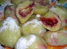 Švestkové knedlíky Slovak Recipes, Czech Recipes, Sweet Recipes, Snack Recipes, Snacks, Plum, Food And Drink, Sweets, Meals
