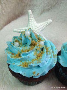 Cupcakes wedding beach bridal shower New Ideas Beach Theme Desserts, Bridal Shower Desserts, Bridal Shower Cupcakes, Shower Cakes, Beach Themes, Bride Cupcakes, Beach Cupcakes, Themed Cupcakes, Wedding Cupcakes