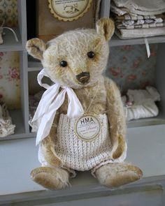 Biscuit Mohair Teddy bear vintage and well aged look by HugMeAgain