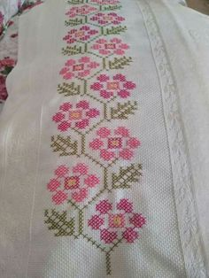 This Pin was discovered by Ayş Cross Stitch Art, Cross Stitch Borders, Cross Stitch Flowers, Cross Stitch Designs, Cross Stitching, Cross Stitch Embroidery, Cross Stitch Patterns, Hand Embroidery Designs, Embroidery Patterns