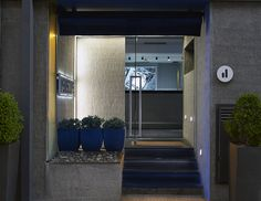 Welcome to Periscope, a modern 4 Star Hotel in Athens. Periscope is one of the most famous Kolonaki Hotels, located in the best neighbourhood of Athens city center and only 10 minutes walk from Syntagma square. Hotel Design Architecture, Athens City, Photo Heart, Hotel S, 4 Star Hotels, Urban Design, Minimalism, The Neighbourhood, Stairs