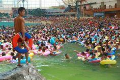 Drukste_zwembad_ter_wereld_4