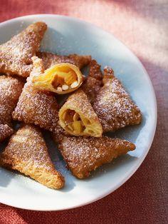 Apfel-Teigtaschen   http://eatsmarter.de/rezepte/apfel-teigtaschen-0