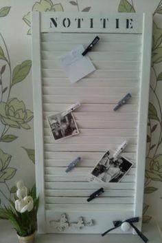 van een oud louvre deurtje een memobord gemaakt,