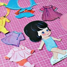 DIY magnetic paper dolls. Free printable! Super cute and cheap, great for kids, fun for hours.