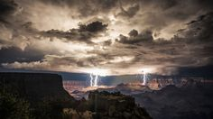 Extra Wallpapers - Thunderstorm over Grand Canyon