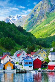 Noruega (Fiordo Geirangerfjord).