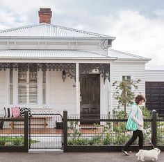 A modern-classic Victorian cottage renovation. Victorian Cottage, Modern Victorian, Victorian Terrace, Victorian Homes, Colonial Cottage, Porches, Weatherboard House, Queenslander, Cottage Renovation