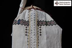 Romanian blouse sleeve detail. Gabriel Boriceanu collection Folk Embroidery, Learn Embroidery, Embroidery Patterns, Folk Costume, Costumes, Embroidery Techniques, Free Pattern, Kimono Top, Textiles