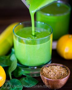 Green Flaxie:1/2 cup water, 2 Tbsp flaxseeds,2 peeled clementines, peeled 1 banana, 2 cups spinach 1/2 cup frozen pineapple chunks