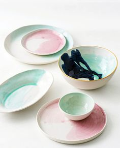As Seen In: House Beautiful – Suite One Studio Porcelain Ceramics, Ceramic Pottery, Dinner Wear, Clay Studio, Pottery Classes, Beautiful Homes, House Beautiful, Food Inspiration, Serving Bowls