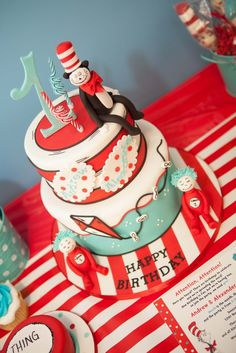 Cake at a Dr. Seuss Party #drseuss #partycake