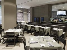 CafèB by Bice, New York; By Federico Delrosso Interior Architecture, Interior And Exterior, Interior Design, Black Background Wallpaper, Interior Photography, Italian Style, Restaurant Design, Places To Eat, New York City