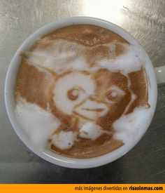 Latte art: Gizmo.