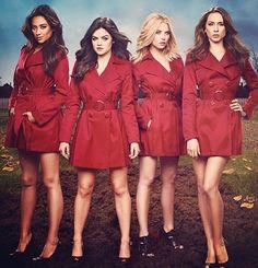 Pretty Little Liars - Red Coat